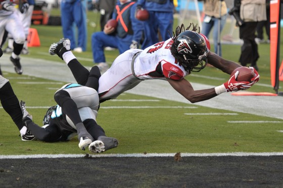 NFL Football: Atlanta Falcons vs Carolina Panthers  DEC 11